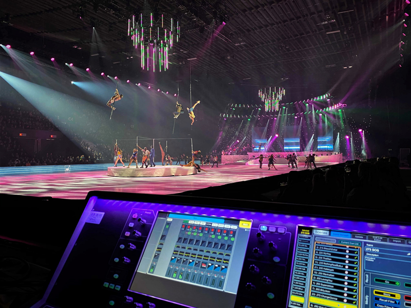A D7000 A&H digital mixer with the ice show